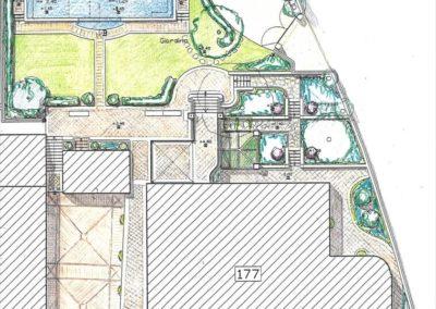 piccolo giardino urbano con piscina