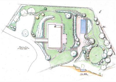 giardino con piscina in edificio esistente